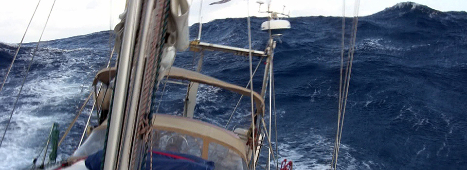 Sturmsegeln  Video: Sturmsegeln bei acht Beaufort - Blauwasser.de